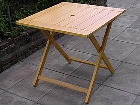 Mesas de madera para exterior en incienso guatambu acacia for Mesas de jardin plegables